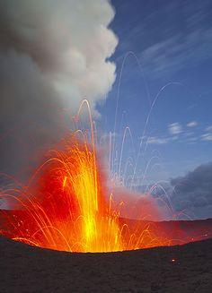 Yasur Volcano | Vanuatu (by Tom Pfeiffer)