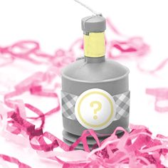 Cuuuute!!  Gender Reveal Party Popper ~ give them to your guests and everyone pops them at the same time!!