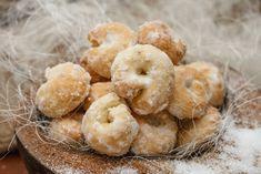 Biscotti tradizionali e golosi gli zuccherini montanari aromatizzati all'anice, con una glassa che li rende irresistibili. Ecco la ricetta