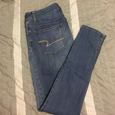 American Eagle High Rise Jegging Size 0 Really cute pair of jeans American Eagle Outfitters Jeans Skinny