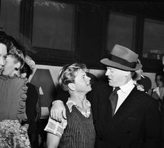 James Cagney, Mickey Rooney   sept1943sanantoniothethirdwarloandrive