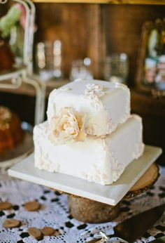 The Ultimate Wedding Cake Roundup: 100 Showstopping Sweets: At only two layers high, this pretty, white, floral-covered cake makes a big impact. Photo by Sarah Layne Photography via 100 Layer Cake Small Wedding Cakes, Square Wedding Cakes, Wedding Cake Rustic, Pretty Cakes, Beautiful Cakes, Two Layer Cakes, Cupcake Cakes, Cupcakes, Cake Cover