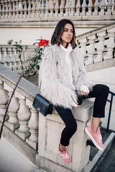 Serious street style envy with Viva Luxury wearing a chunky turtleneck, faux-fur coat, skinny jeans, pink sneakers, and a Chanel Boy bag Sac Boy, Pilou Pilou, Grey Faux Fur Coat, Fuzzy Coat, Fur Coat Outfit, Fashion Week, Womens Fashion, Style Fashion, Europe Fashion