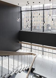 russia 2014 - international chain - river fontanka - skyscraper - living lobby - golden - modern - staircase - black & white - lamps - lighting - erschließung - treppe - treppenhaus - treppenkern - belichtung - lampen -