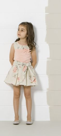 pv15-lookbook-infantil-niña-9 Outfits Niños, Cute Girl Outfits, Kids Outfits, Frocks For Girls, Little Girl Dresses, Flower Girl Dresses, Baby Girl Fashion, Kids Fashion, Moda Kids