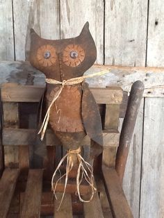Primitive folk art  grungy owl make do Makedo
