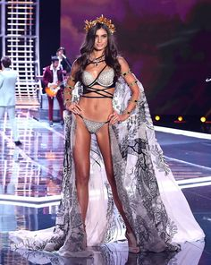 Taylor Hill walks the runway at the 2017 Victoria's Secret Fashion Show in Shanghai on November 20, 2017.