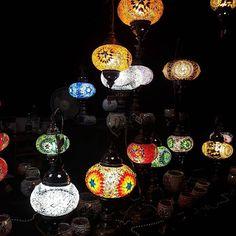 """""""Kulturufer Bodensee Friedrichshafen ein Traum in der Nacht mit vielen warm leuchtenden bunten Lichter. eine besonders schöne Atmosphäre in Friedrichshafen. Vor allem besonders wenn der Markt am Pier ist und die Lichter im Wasser glitzern…"""