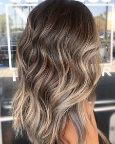 Balayage Hair Color Ideas for Brunettes in – Beauty Tips – Hair – Hair is craft Balayage Hair Brunette With Blonde, Honey Blonde Hair, Brunette Color, Hair Color Balayage, Brunette Hair Color With Highlights, Fall Balayage, Summer Brunette, Balyage Hair, Partial Highlights
