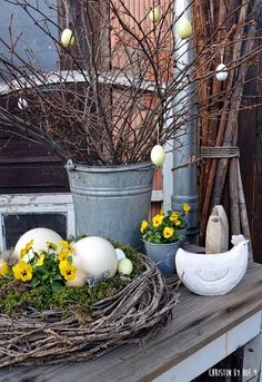 Spring Projects, Spring Crafts, Homemade Pictures, Easter Specials, Garden Deco, Spring Theme, Spring Home Decor, Rustic Gardens, Decoration Table