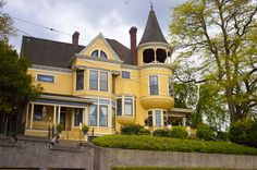 Heritage Home Tour 2012 - Home History Portland Architecture, Victorian Architecture, Home History, Victorian Style Homes, Yellow Houses, Second Empire, Old Houses, Nice Houses, Queen Anne