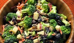Creamy Broccoli Salad - Broccoli chopped apples walnuts carrots and raisins in a sweet and tangy dressing. Primal Recipes, Whole Food Recipes, Diet Recipes, Cooking Recipes, Healthy Recipes, Vegetarian Recipes, Clean Eating, Healthy Eating, Paleo Side Dishes