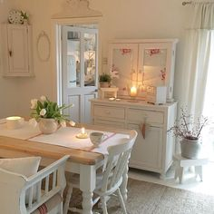 50 Romantic Shabby Chic Living Room Decor Ideas - Home Accents living room Shabby Chic Living Room, Shabby Chic Dresser, Chic Kitchen, Chic Decor, Home Decor, Shabby Chic Decor Living Room, Chic Dining Room, Shabby Chic Room, Shabby Chic Dining