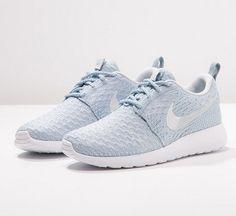 Nike Sportswear ROSHE ONE FLYKNIT błękitne Tenisówki i Trampki light armory blue/pure platinum/white