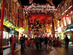San Francisco Chinatown is a Landmark in San Francisco. Plan your road trip to San Francisco Chinatown in CA with Roadtrippers. Bruges, Hawaii Vacation Guide, Vacation Ideas, Costa Rica, Cuba, Amsterdam, Milan, San Francisco Travel, San Francisco Chinatown
