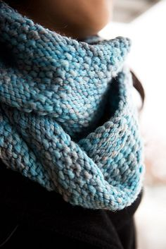 Gorgeous! Such a lovely colour.  Ravelry: April Skies pattern by Jaala Spiro