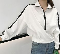 Velvet oversized sporty lines retro style jacket Sporty Outfits, Chic Outfits, Spring Outfits, Fashion Outfits, Asian Fashion, Look Fashion, Retro Fashion, Tumblr Outfits, Outfit Goals