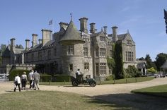 Google Image Result for http://static.europeupclose.com/wp-content/uploads/2012/04/Beaulieu-Palace-House-car.jpeg