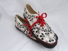 1980s Vans Mickey Mouse tennis shoes 9 M