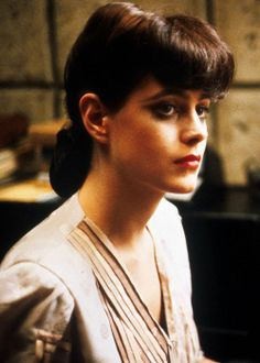 "Sean Young . Played in ""the sketch Artist"""