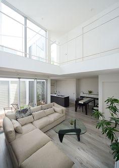 白色の吹き抜けのある家(東京都世田谷区)フリーダムアーキテクツデザイン