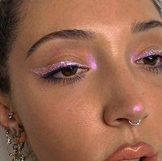 Metallic Eye Makeup, Pink Eye Makeup, Cute Makeup, Pretty Makeup, Skin Makeup, Eyeshadow Makeup, Pink Eyeshadow, Pink Highlighter Makeup, Eyeshadow Palette