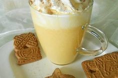 Authentic recipe for the German style eggnog, it is called Eierpunsch in German. Alcoholic drink with wine, brandy or rum and eggs. Eggnog Rezept, Toast Pizza, Chocolate Crepes, Strawberry Balsamic, Crepe Recipes, French Toast Bake, Vegetable Drinks, Banana Bread Recipes, French Food
