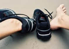 The 7 Best Shoes for Fallen Arches of 2019 The best shoes for fallen arches offers aching feet support in the affected areas. Appropriate shoes designed for fallen arches relieves pain and discomfort. Best Beginner Workout, Best Workout For Women, Back Fat Workout, Jump Rope Workout, Workouts For Teens, Fun Workouts, Body Workouts, Workout Routines, Daily Workouts