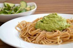 Extrem cremig: Avocado-Rucola-Pesto