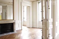 apricot-tea-and-honey:  again, this looks just like my best friend's apartment in Paris. *Paris Withdrawal Sigh*  Perfection!