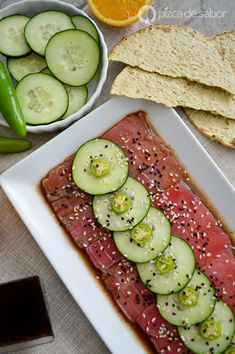 As fazer sashimi of atum (easy, fast and in minutes) de dietas especiales Raw Food Recipes, Seafood Recipes, Asian Recipes, Snack Recipes, Cooking Recipes, Healthy Recipes, Healthy Food, Tuna Recipes, Fish And Seafood