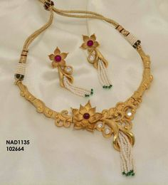Indian Gold Jewelry Near Me Gold Bangles Design, Gold Jewellery Design, Gold Jewelry, Gold Mangalsutra Designs, Gold Necklace Simple, Fashion Jewellery Online, Jewelry Patterns, Necklace Designs, Gold Pendent