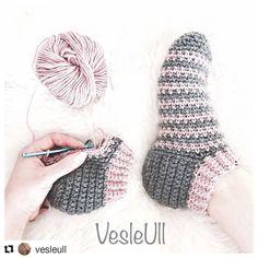 Bilekten başlamalı patik çorap 😍 Tuvit modelini uygulamış 🤗 Ama bir harika olmus 👏👏👏 Norveçce bilen varsa sayfada da anlatim varsa bi zahmet tercüme edip yorum olarak yazarmisiniz🤗 Soranlar oluyorda 🙈 . . . Health in your hands @vesleull👌 . . Sipariş için lütfen DM ☺ . . . #knit #crochetpattern #kahve #sunum #istanbul #crochetersofinstagram #crochet #ganchillo #elişi #örgü #amigurumi #handmade #yarn #knitting #elisi #elemegi #englishhome #elemeği #orgu #babyblanket #bebek  #a101 #tbt…