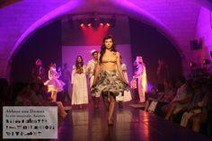 """Le romantisme à l'honneur lors du défilé de mode du projet Eux-text """"Back to the future !"""" - Festival de Saintes 2013 http://www.festivaldesaintes.org https://www.facebook.com/FestivaldeSaintes"""