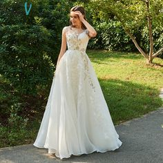 Dressv ivory wedding dress scoop neck ball gown bridal button elegant outdoor&church beading appliques lace wedding dresses