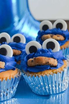 Check out this cool Cookie Monster 1stbirthday party! The cupcakes are so much fun! See more party ideas and share yours at CatchMyParty.com #catchmyparty #partyideas #cookiemonster #cookiemonsterparty #boy1stbirthdayparty Cookie Monster Cupcakes, Fun Cupcakes, Fun Cookies, Monster Birthday Parties, Birthday Fun, Birthday Ideas, Elmo Cake, Cupcake Images, Cupcake Bakery