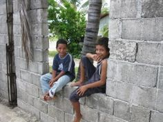 Nauru children