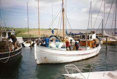 Storebælt ligger til ved Håbet. Bogø Havn 1998. Eget foto