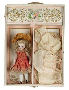 I Only Wanted to Wonder: 263 All-Bisque Mignonette in Presentation Box for the French Market 1885
