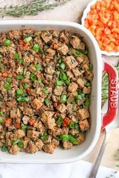 This Paleo Low Carb Sausage Stuffing is hearty, flavorful, and no one will know it's healthy! It has all the flavors of traditional stuffing, but made nut free, gluten free, dairy free, and low FODMAP! #stuffing #paleostuffing #paleo #glutenfree #healthy #easyrecipe #dairyfree | realfoodwithjessica.com @realfoodwithjessica Best Paleo Recipes, Fodmap Recipes, Gluten Free Recipes, Real Food Recipes, Snacks Recipes, Paleo Stuffing, Sausage Stuffing, Paleo Nuts, Paleo Diet