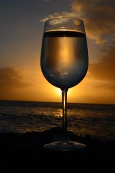 Beach and nice glass of wine... What more do I need? Maybe some beautiful seafood dishes!