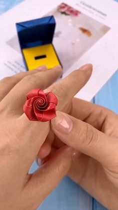 Green Crafts For Kids, Diy Crafts For Teen Girls, Diy Crafts For Adults, Diy Crafts For Gifts, Easy Diy Crafts, Diy Arts And Crafts, Diy Paper Rings, Origami Ring, Diy Projects To Sell