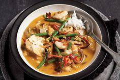 Curry van geroosterde bloemkool met kardemom - Foodies Food Inspiration, Thai Red Curry, Foodies, Veggies, Dishes, Cooking, Healthy, Ethnic Recipes, Om