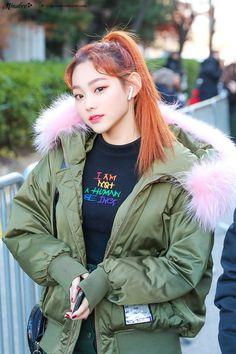 Kpop Girl Groups, Kpop Girls, Kim Sejeong, Sistar, China, Korean Actresses, Canada Goose Jackets, Rapper, Idol