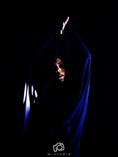 Fotografía: M.Studio. . . #dance #moderndance #photography #Contemporary #dancer #art #ContemporaryArt #ContemporaryDance #dancing #dancemagazine #pointemagazine #dancephotography #danceconcert #photoshoot #model #actor #beauty #bellydance #bellydancer #tribalfusion #fusion #tribal #tribalstyle #veil #chile
