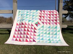 Earlier this year, the Minneapolis MQG held a crayon challenge. Each person that participated had to pick between crayons (blindly) from. Scrappy Quilts, Baby Quilts, Half Square Triangle Quilts, Crazy Mom, Quilting Projects, Quilting Ideas, My Sewing Room, Traditional Quilts, Quilt Top