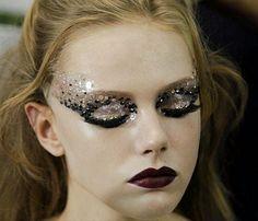lamorbidezza:  Frida Gustavsson Backstage at Christian Dior Haute Couture Fall 2011