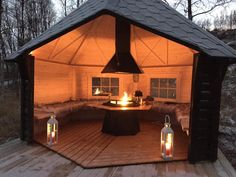 54 Best Ideas For Small Backyard Patio Layout Fire Pits Fire Pit Backyard, Backyard Patio, Backyard Landscaping, Pavers Patio, Gazebo With Fire Pit, Patio Roof, Backyard Storage, Cement Patio, Backyard Seating