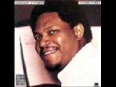 McCoy Tyner, no solo es un extraordinario pianista, y extraordinario representante del estilo modal, sino que por la delicadeza de su toque, por la búsqueda de una sonoridad siempre brillante y el carácter ornamental de sus improvisaciones, es uno de los grandes músicos de jazz moderno  http://www.apoloybaco.com/jazz/index.php?option=com_content=article=3224=92