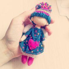 Мы почти что готовы. Осталось самое ответственное - лицо. Я думаю что душа у кукол именно в голове, т.е. она появляется с появлением лица ❤ #текстильнаякукла #куклыручнойработы #авторскаяработа#коллекционнаякукла #куклы #игрушки #девочки #ангел #3марта #понедельник #веснапришла #dolls #handmadedolls #dollart #dollmaker #love #hapines #солнце #anime #toys #winter #doll #strange #вторник#artwork #puppe#kids #children #toy